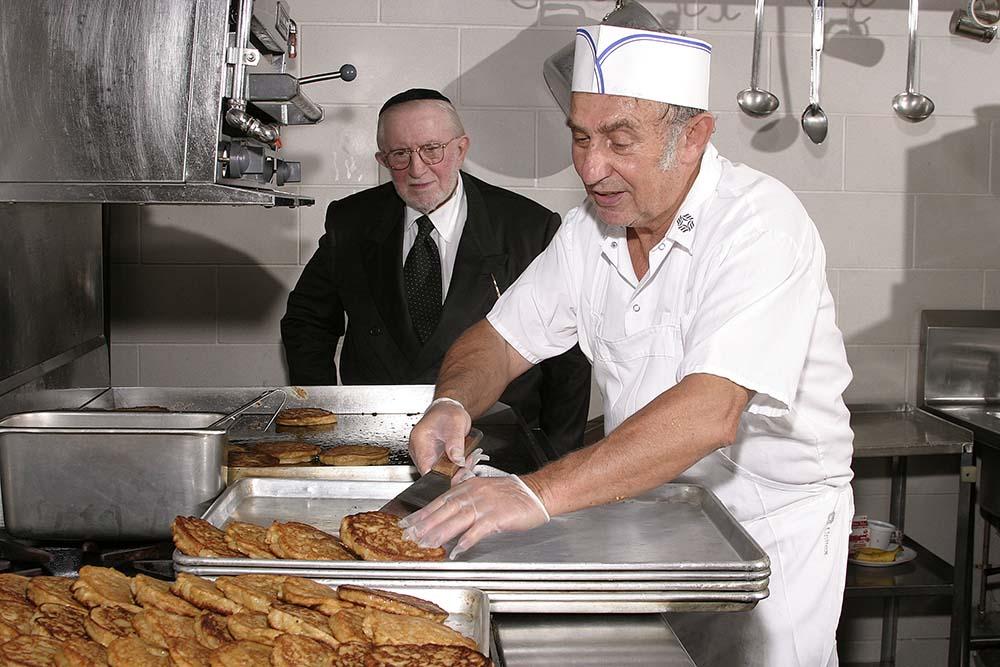 Nutrition for seniors healthy meal nursing home rehabilitation brooklyn nyc